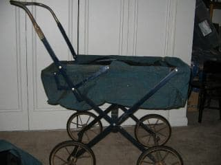 1940s baby carriage 1